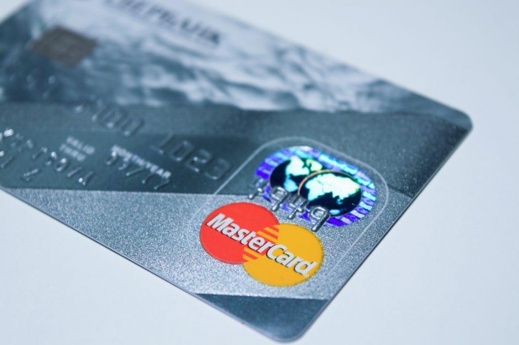 pirkite išankstinio mokėjimo vizą su bitcoin)